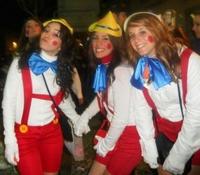 erasmust students dressed as pinocchio on the Cadiz Carnival Day Trip